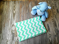 Наволочка зеленый зигзаг на белом фоне с запахом, на детскую подушку  60 *40 см, 100% хлопок