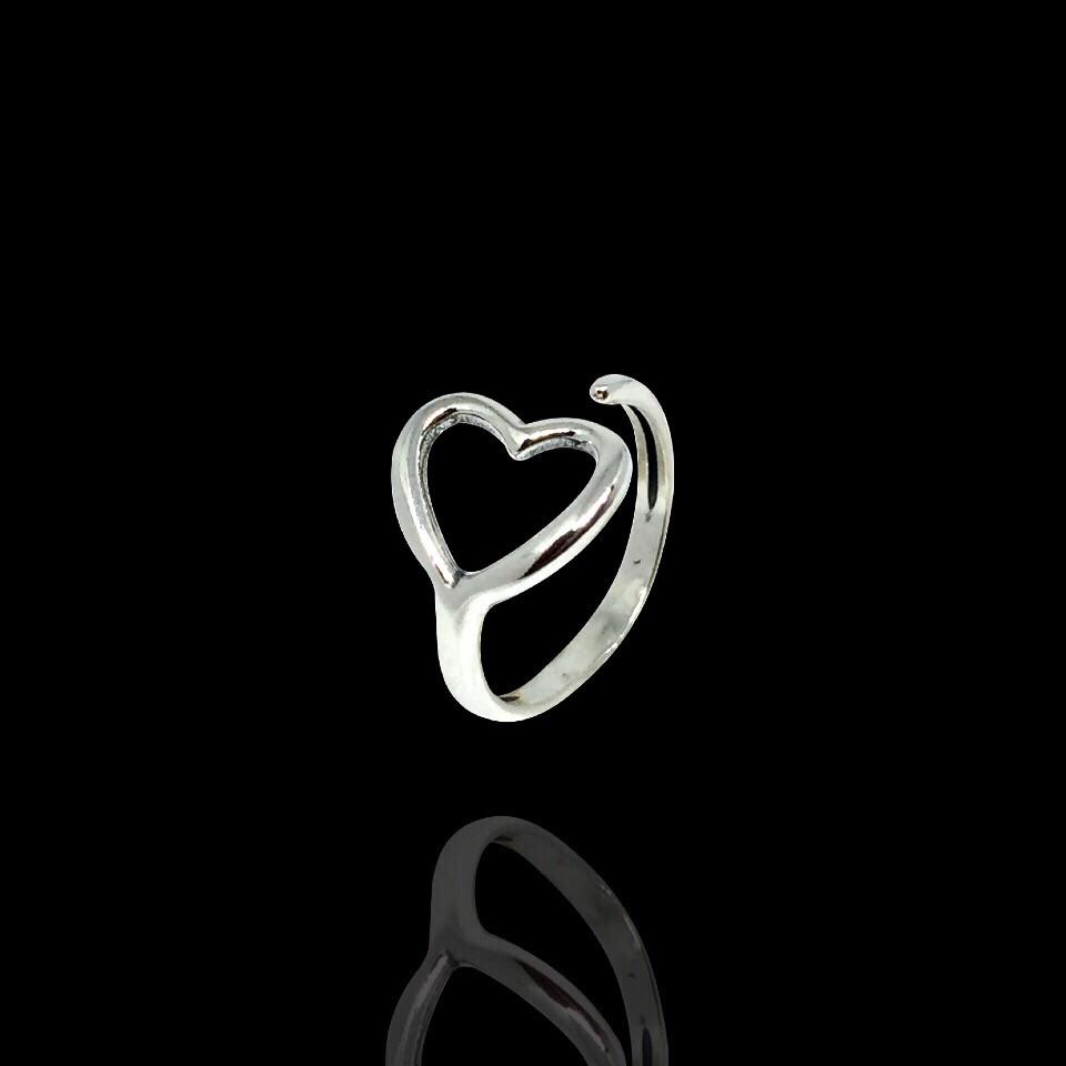 Серебряное фаланговое кольцо с сердечком 12081 Selenit