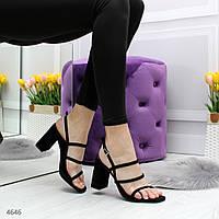 Женские лаковые босоножки открытые с ремешками на  квадратном каблуке черные, фото 1