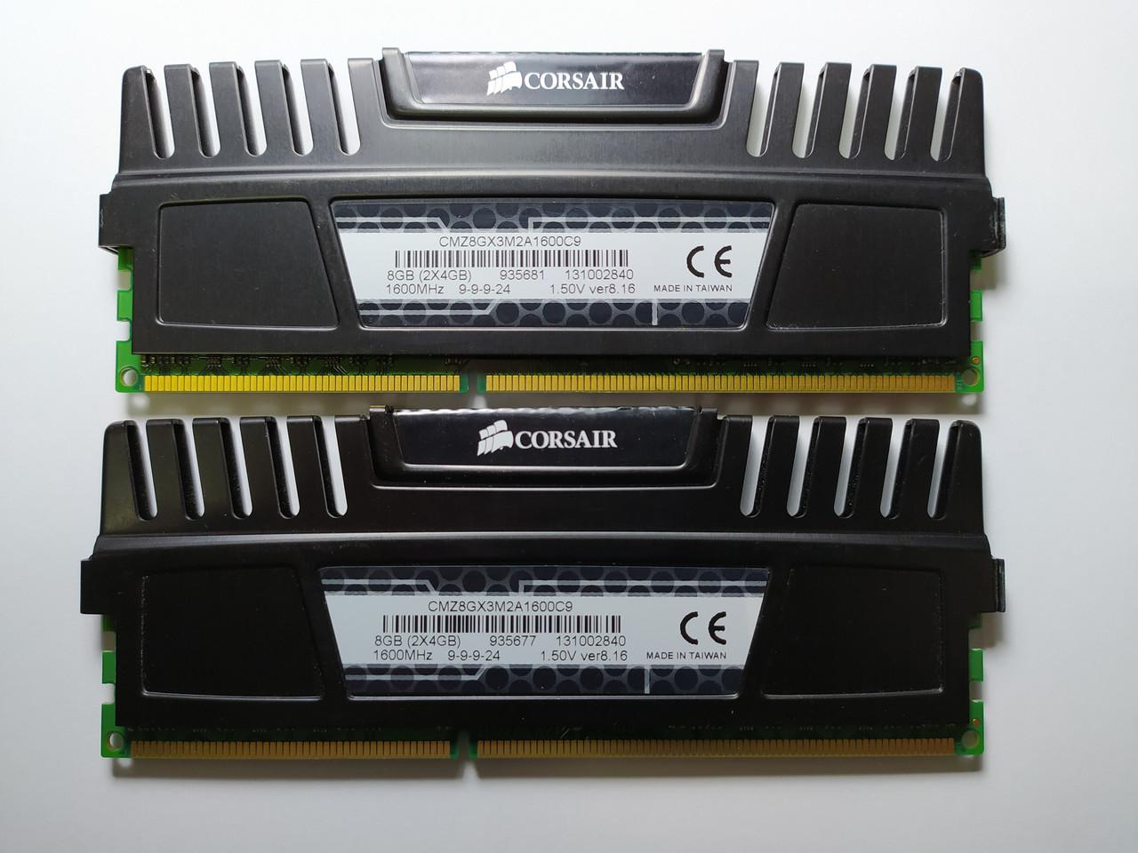 Комплект оперативной памяти Corsair Vengeance DDR3 8Gb (2*4Gb) 1600MHz PC3-12800 (CMZ8GX3M2A1600C9) Б/У