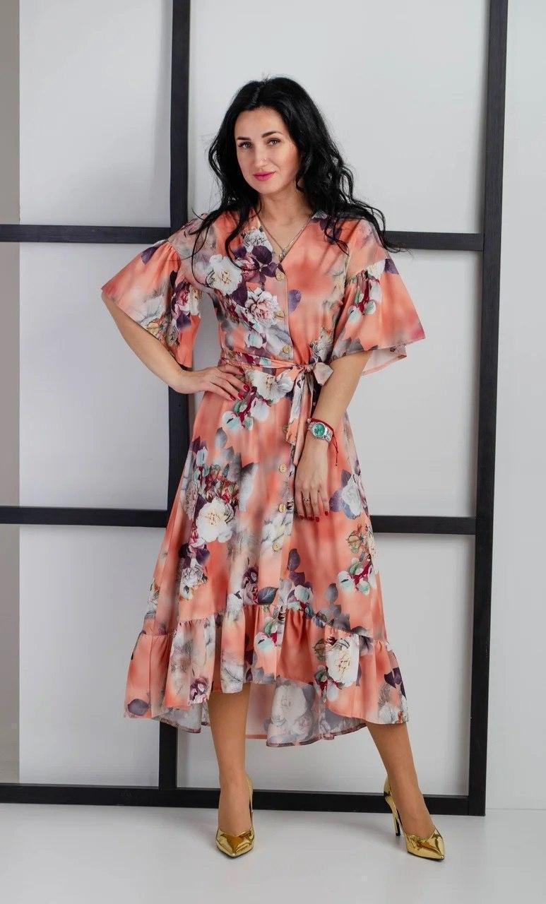 Летнее платье с рюшами персиковое