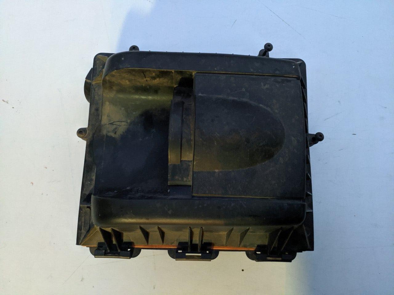 Корпус повітряного фільтру Renault Master, Opel Movano 2.5, 2006-2010, 8200242400 (Б/У)