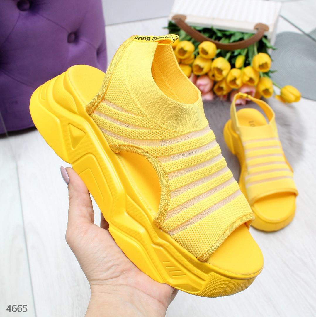 Желтые босоножки сандалии женские спортивные из текстиля  на массивной подошве желтые