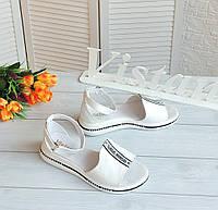Білі шкіряні босоніжки із закритою п'ятою, фото 1