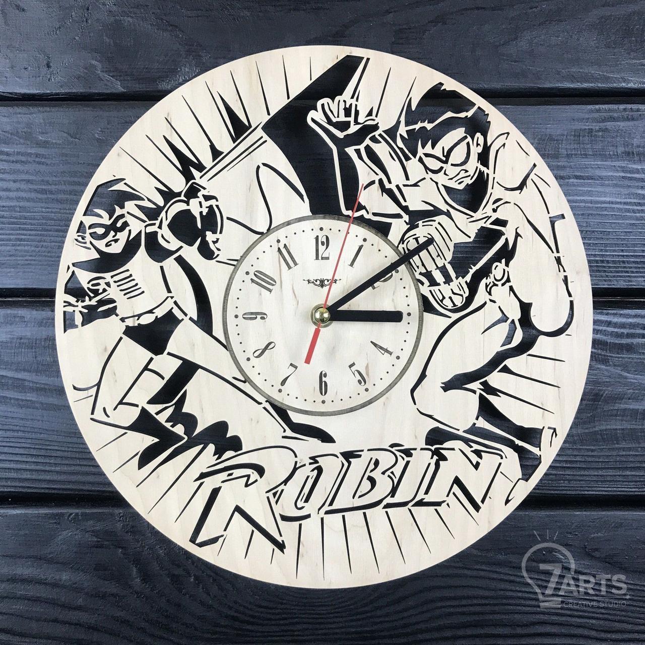 Тематические интерьерные настенные часы «Робин»