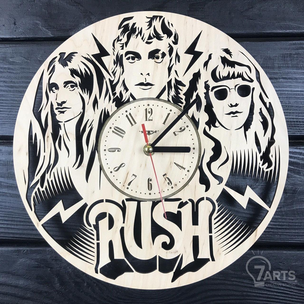 Часы из натурального дерева настенные «Rush»
