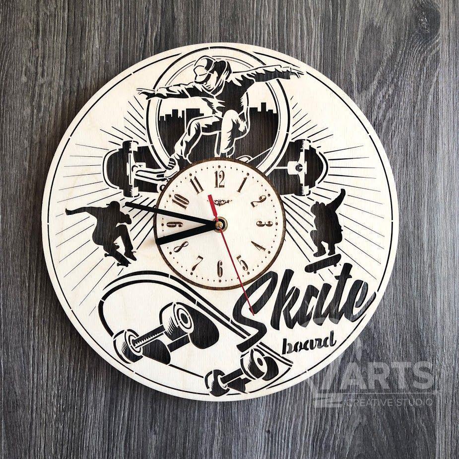 """Круглые часы из дерева на стену """"Скейтбординг"""""""