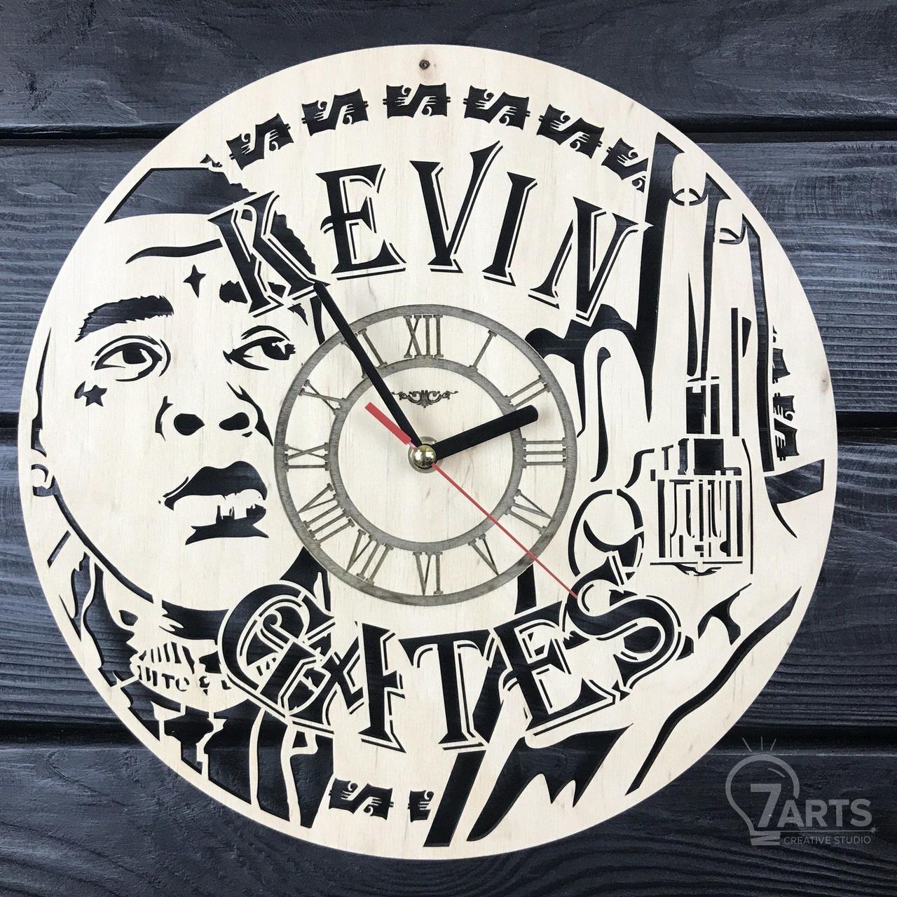 Бесшумные настенные часы из дерева «Кевин Гейтс»
