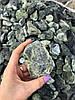 Декоративный камень для внутренней отделки, мраморная галька крошка - Фото