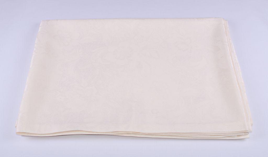Скатерть LiMaSo 150*150 см полиэстер водоотталкивающая кремовая арт.SKC04KM.150х150