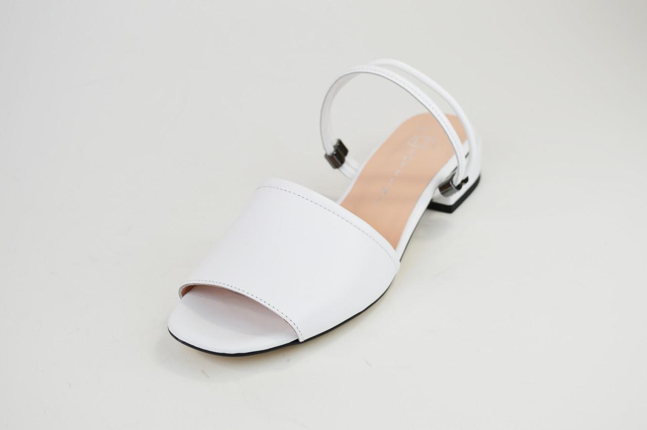 Босоножки женские Lottini 37501 Белые кожа