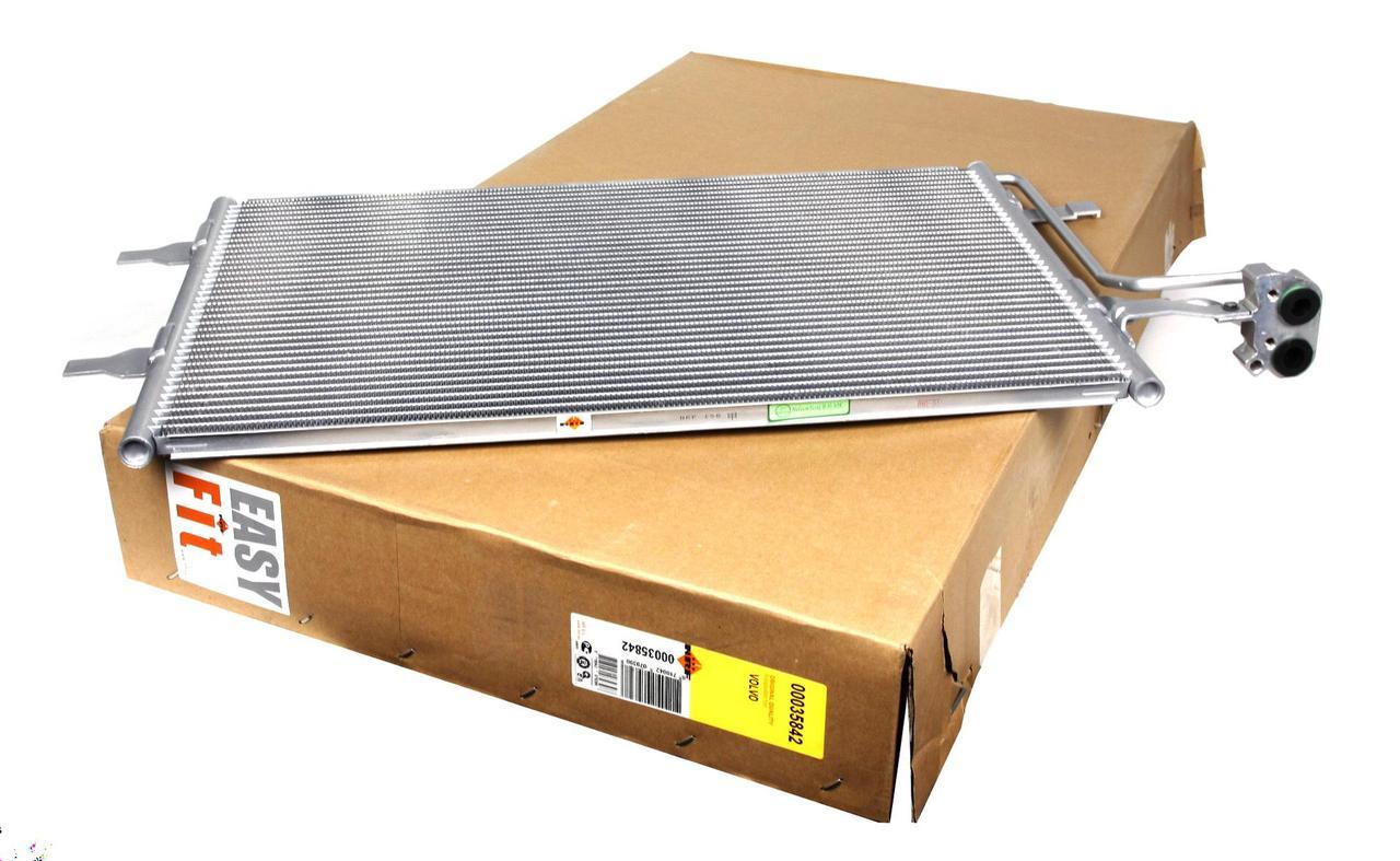 Радиатор кондиционера Volvo C70 2004- Cargo 260489