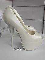 Туфли белые, высокий каблук, платформа, фото 1