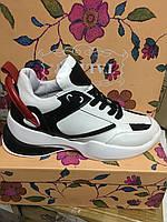Женские кожаные  кроссовки белые с красно-черным декором