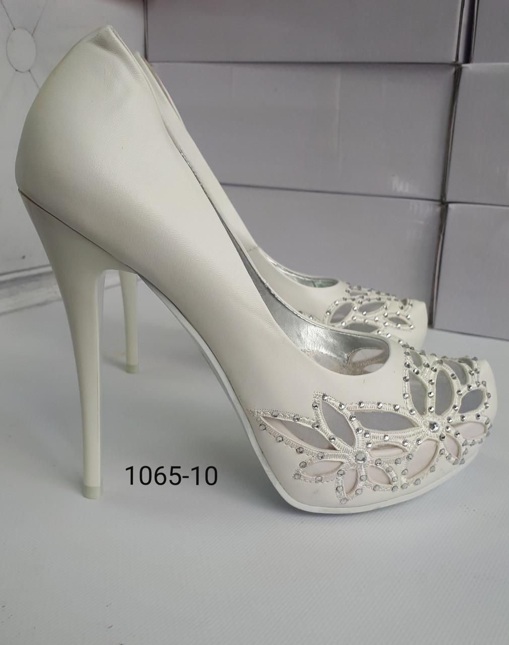 Туфли белые, высокий каблук, платформа