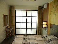 Декоративное оформление спальни натуральным бамбуком