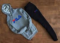Тонкий спортивный костюм Fila серый кенгуру, черные штаны
