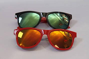 Красивые солнцезащитные детские очки красные и черные 1 шт