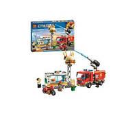 Конструктор  11213  город, пожарная машина, кафе, фигурка, 345дет, в кор-ке,39-27,5-6см(Кон 11213)