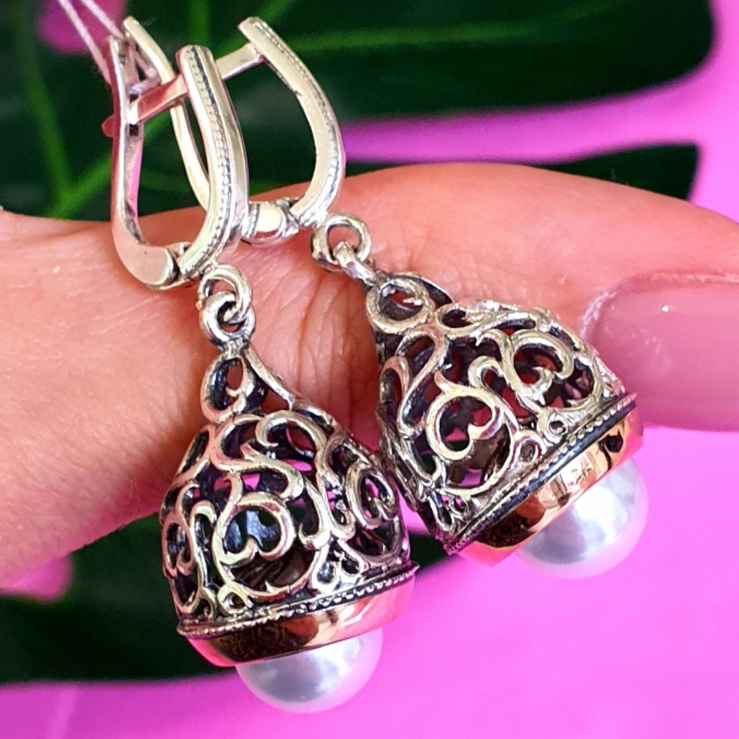Серебряные серьги с жемчугом и золотом - Серебряные висячие серьги с жемчугом