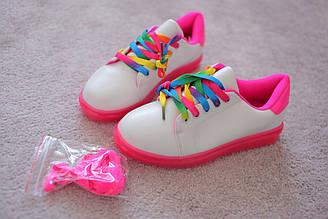 Кроссовки детские белые розовая подошва яркие радужные шнурки  в стиле Adidas 31-36