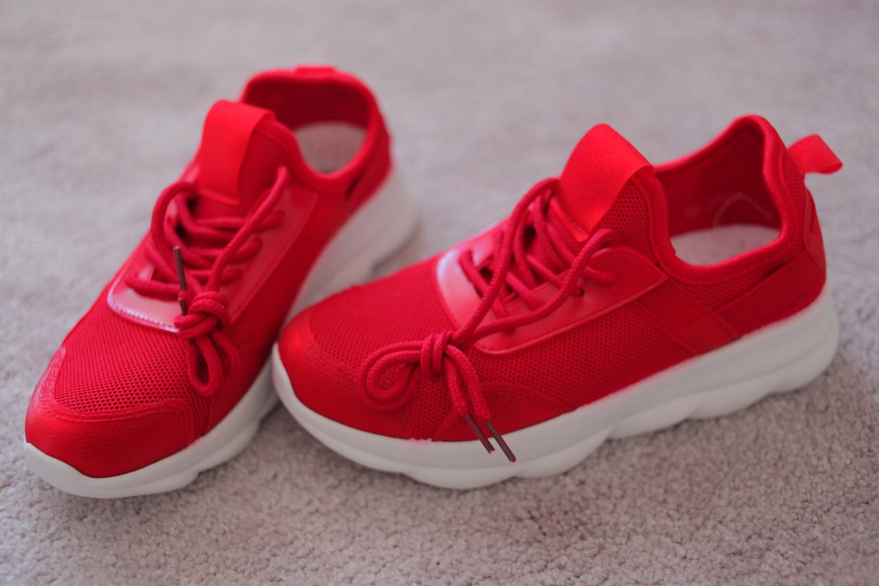 Женские кроссовки красные белая подошва текстиль Италия 37-40