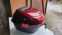 Мото кофр красный черный глянцевый на один шлем со спинкой