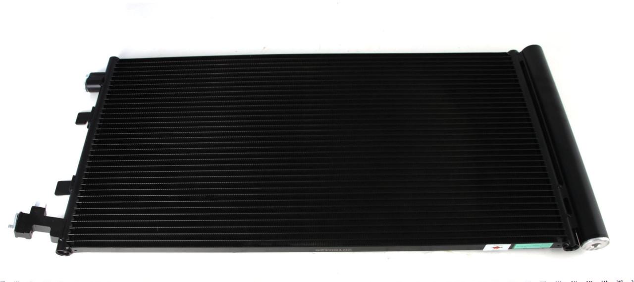 Радиатор кондиционера Renault Scenic III 1.4-2.0 2009- (с осушителем) NRF 35932