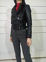 Куртка-жилет кожаная черная женская
