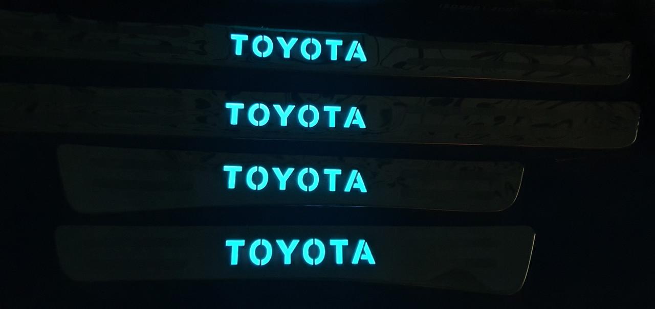Накладки на пороги toyota land cruiser 100 с подсветкой