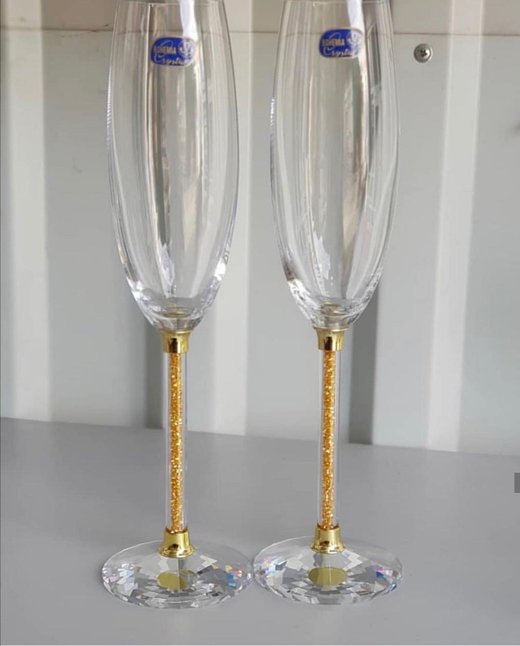 Свадебные бокалы на хрустальной золотой ножке