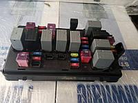 Блок предохранителей Авео Е 250 с реле и предохранителями (токораспределительная коробка) GM 96651094