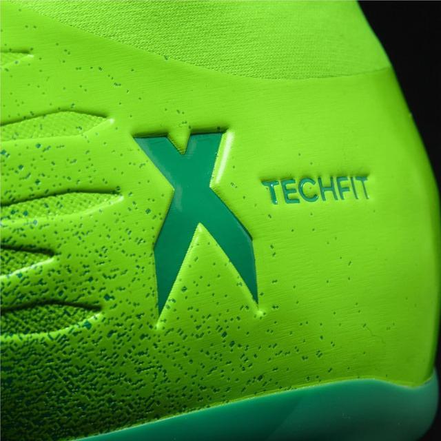 detskie-futbolnye-butsy-adidas-98w7w611