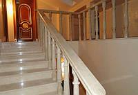 Классическая лестница из испанского мрамора Crema Marfil, фото 1