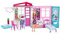 Портативный домик Barbie с куклой Барби (Portable 1-Story Playset with Doll,Pool and Accessories)