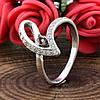 Серебряное кольцо Грация вставка красный и белые фианиты вес 2.05 г, размер 18, фото 3