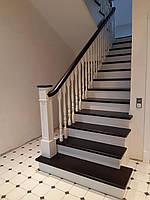 Деревянные лестницы в дом из массива ясеня.