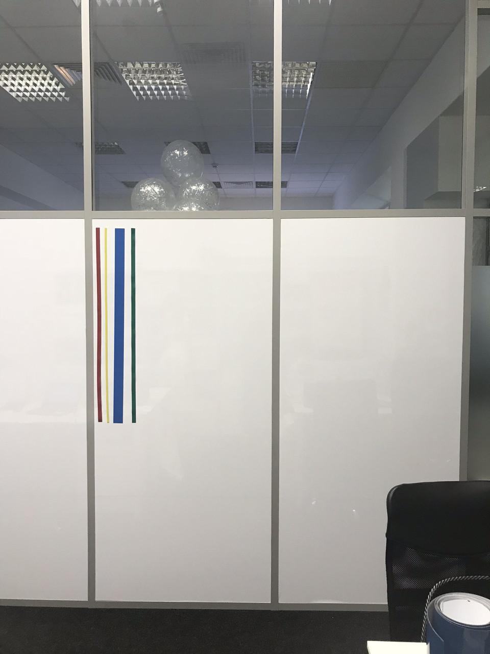 Маркерная Магнитная плёнка для стекла Силикон Melmark CK Без клея 120 х 100 см. Глянцевая белая