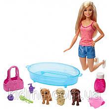 Лялька Барбі Купання цуценят Barbie Pets Mattel GDJ37