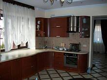 """Кухні """"Мокко"""" з фасадами з масиву вільхи та натурального шпону"""