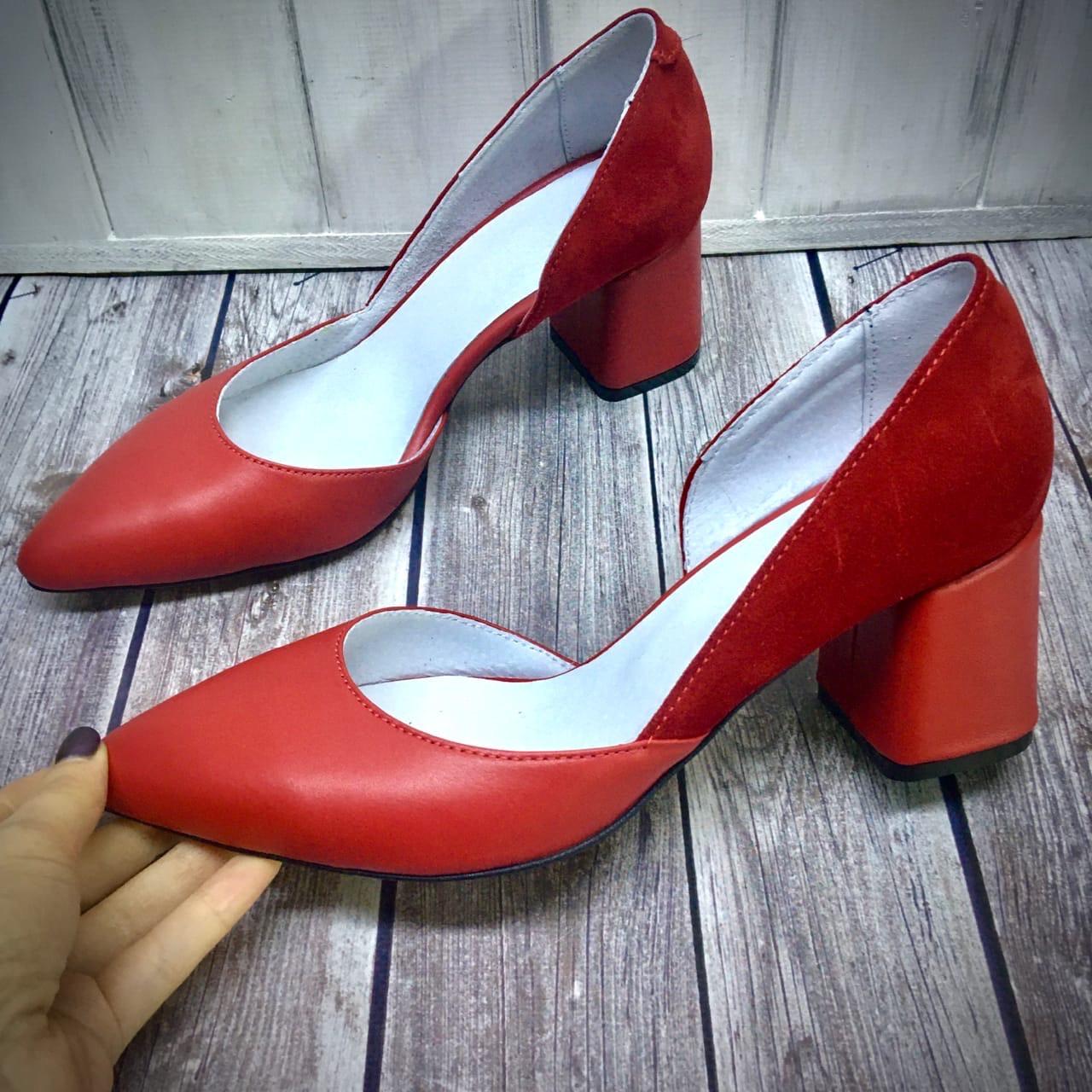 Женские кожаные туфли на невысоком каблуке Возможен отшив в других цветах кожи и замши