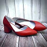 Женские кожаные туфли на невысоком каблуке Возможен отшив в других цветах кожи и замши, фото 3