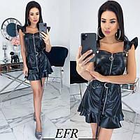 Модное женское платье из эко-кожи