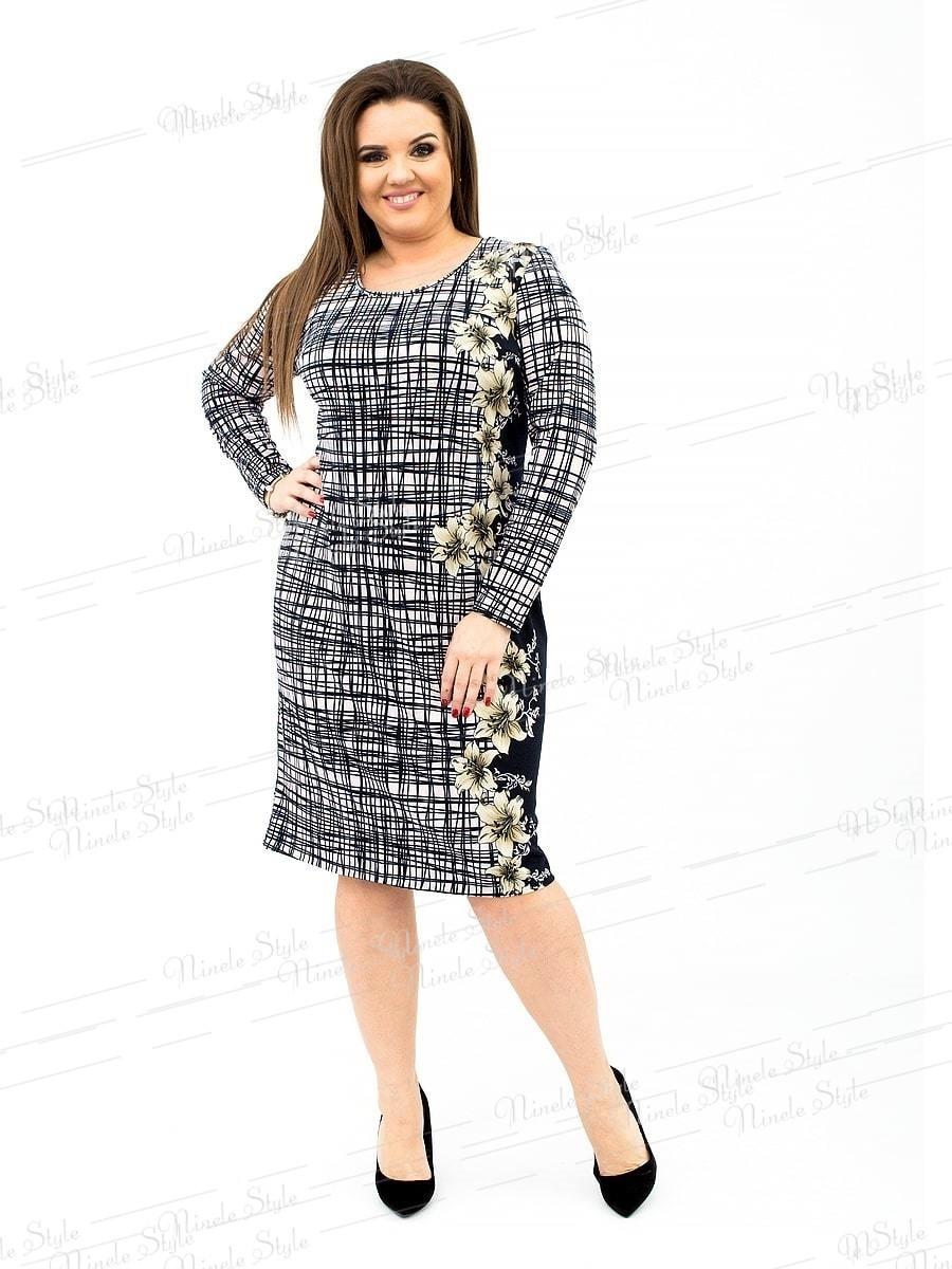 Трикотажное повседневное женское платье с необычным принтом 170 54