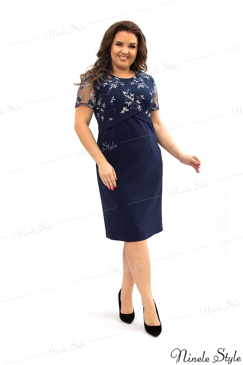 Темно-синее однотонное платье женское украшенное сеткой с вышивкой 354-2 54