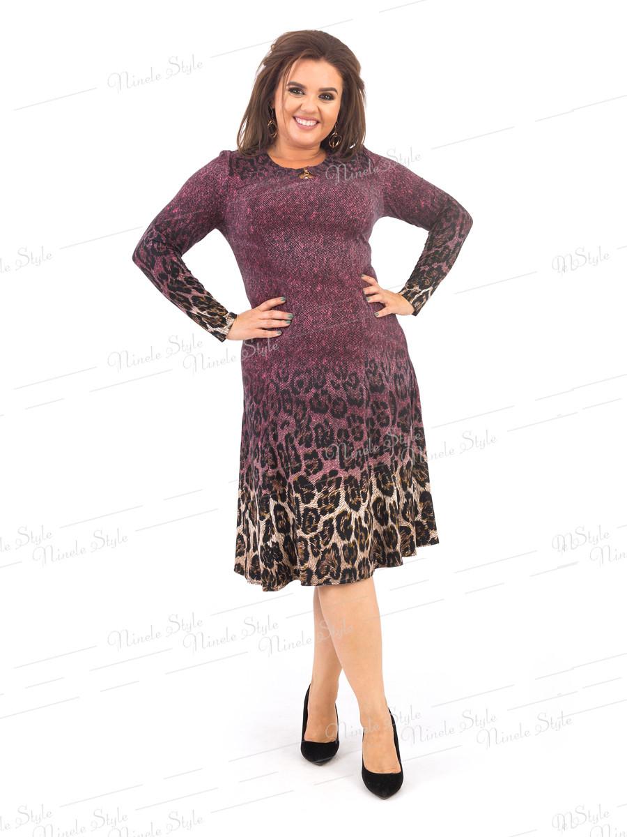 Бордовое расклешенное женское платье с оригинальным принтом  378-1 54