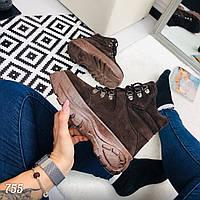 Женские ботинки под бренд на высокой подошве