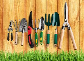 Садовый инвентарь и инструмент