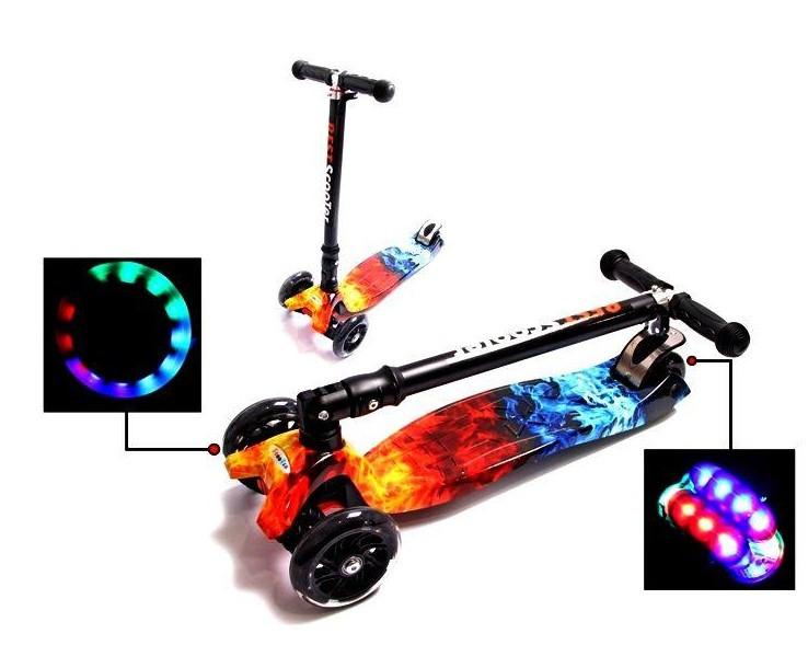 Самокат трехколесный детский Maxi складной руль колеса светяться. Fire & Ice.