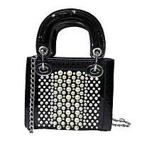 Черная лаковая сумка с жемчугом